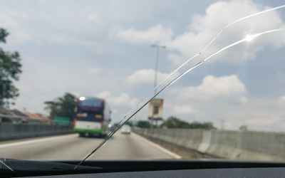 How to Stop Cracks from Running on a Windshield