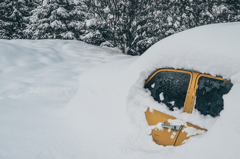 5 Tips to Prevent Cracked Windshields in Icy Weather