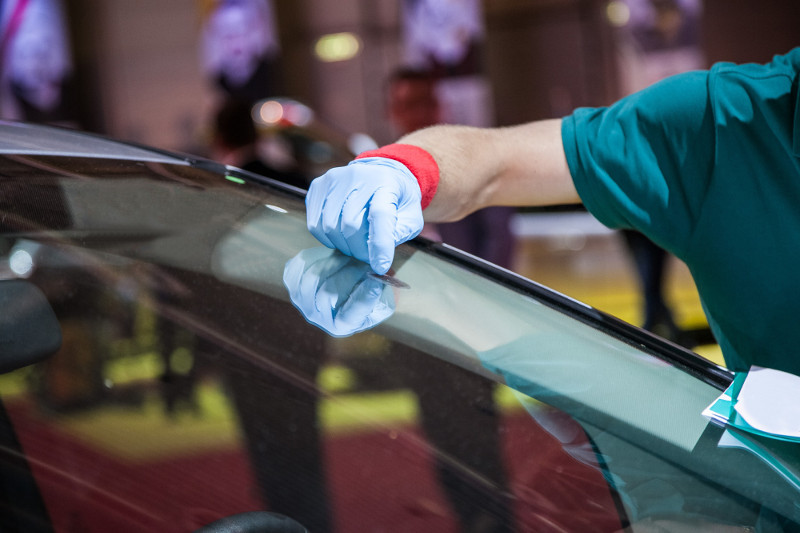 Windshield Replacement Time: Safe Drive-Away Time vs